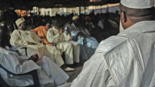 Les Layènes se réunissaient ce 17 avril, protestant contre les nuisances causées par les eaux usées dans leur capitale, Cambérène.